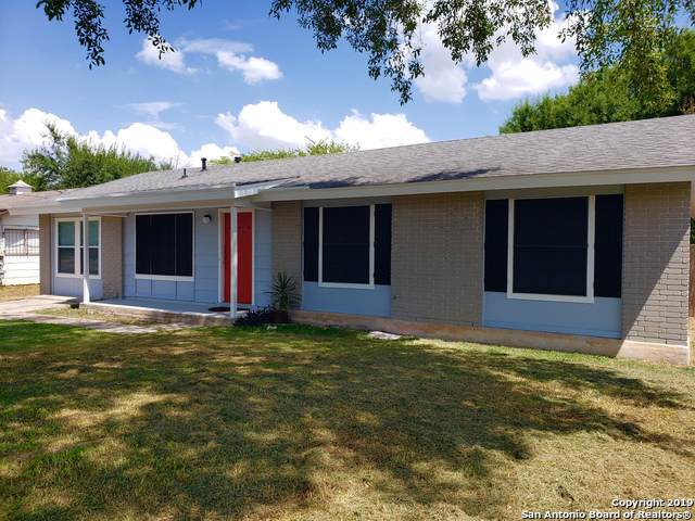1318 Meadow Knoll Dr, San Antonio, TX 78227 (MLS #1412854) :: Exquisite Properties, LLC