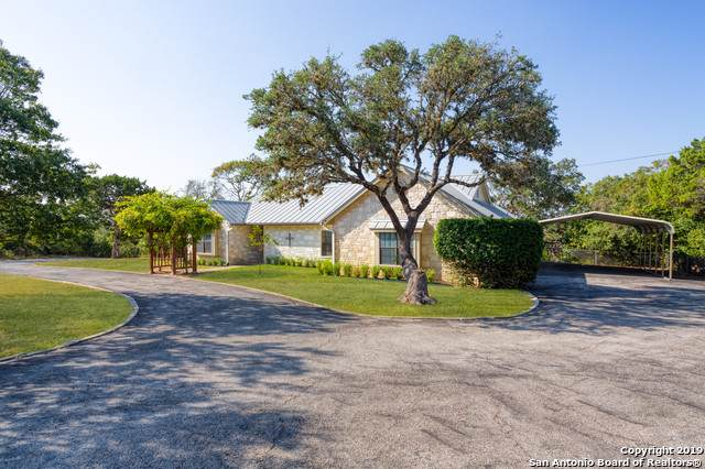 102 Cedar Ln, Boerne, TX 78006 (MLS #1413133) :: Tom White Group