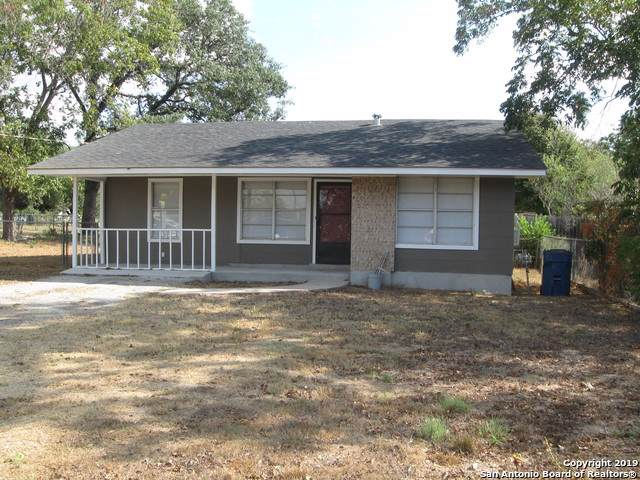 1104 W Hondo Ave, Devine, TX 78016 (MLS #1413148) :: Glover Homes & Land Group