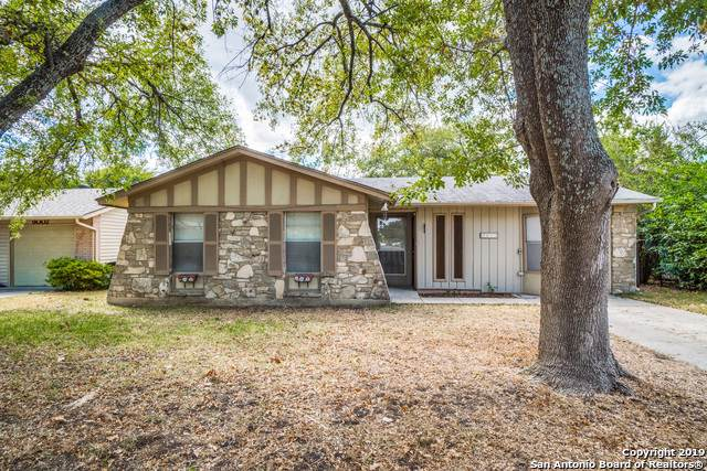 9011 Sundown Dr, San Antonio, TX 78217 (MLS #1413180) :: The Gradiz Group