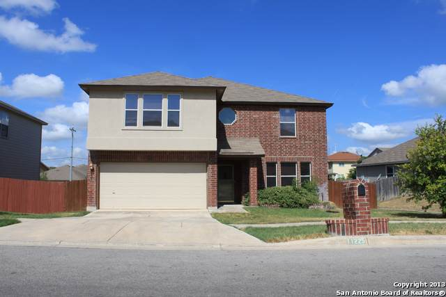 11225 Forest Pass Ct, Live Oak, TX 78233 (MLS #1413219) :: BHGRE HomeCity