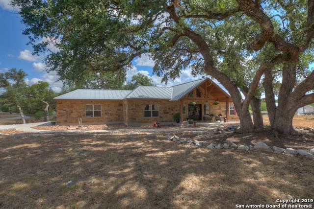 230 Falling Hills, New Braunfels, TX 78132 (MLS #1413288) :: The Emery Group