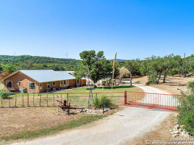 122 S J Dr, Boerne, TX 78006 (MLS #1413675) :: Alexis Weigand Real Estate Group