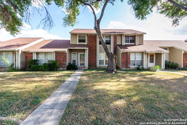 9140 Timber Path #2003, San Antonio, TX 78250 (#1414425) :: The Perry Henderson Group at Berkshire Hathaway Texas Realty