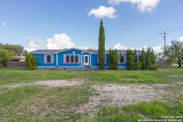 1945 Villegas St, Alice, TX 78332 (MLS #1414452) :: Alexis Weigand Real Estate Group