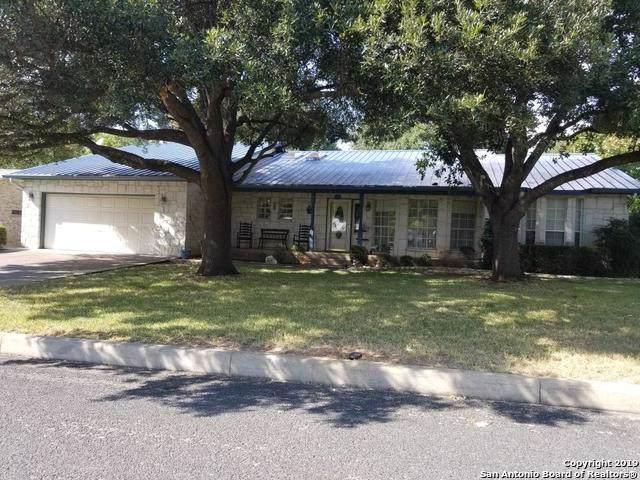 706 Cross Mountain Dr, Fredericksburg, TX 78624 (MLS #1414462) :: BHGRE HomeCity