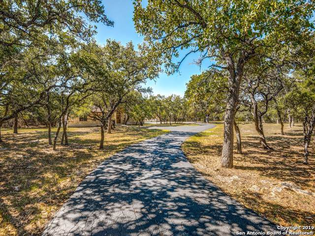 107 Wood Trails, Boerne, TX 78015 (MLS #1414860) :: Santos and Sandberg