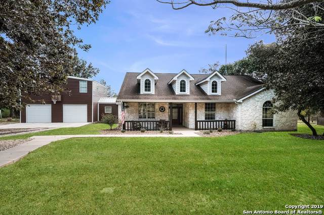1435 Meadow Glen, Adkins, TX 78101 (MLS #1414900) :: The Gradiz Group