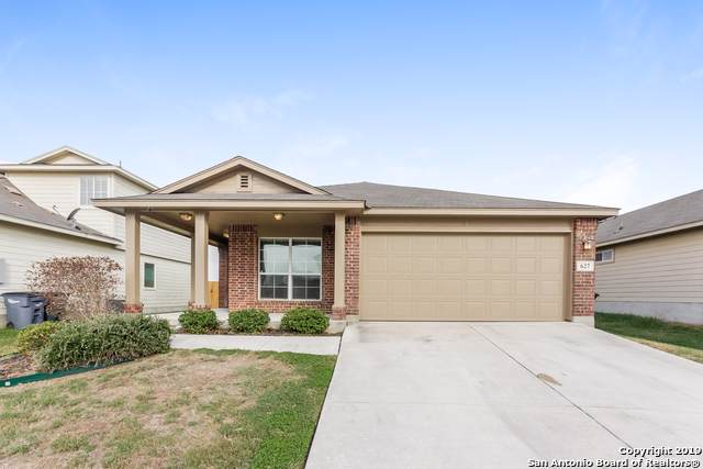 627 Tom Kemp Dr, New Braunfels, TX 78130 (MLS #1415396) :: The Gradiz Group