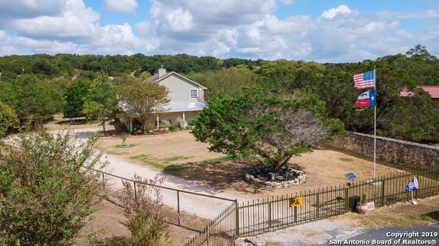 401 Cypress Springs Dr, Spring Branch, TX 78070 (MLS #1415592) :: BHGRE HomeCity