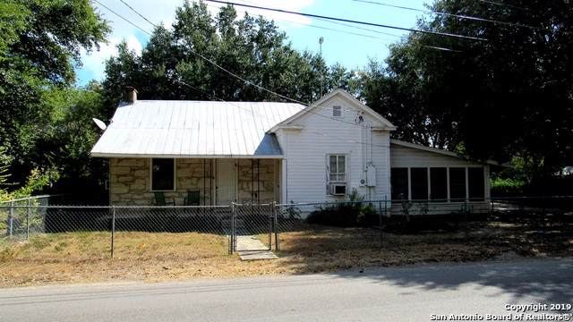 1113 Alamo St, Castroville, TX 78009 (MLS #1415797) :: Vivid Realty