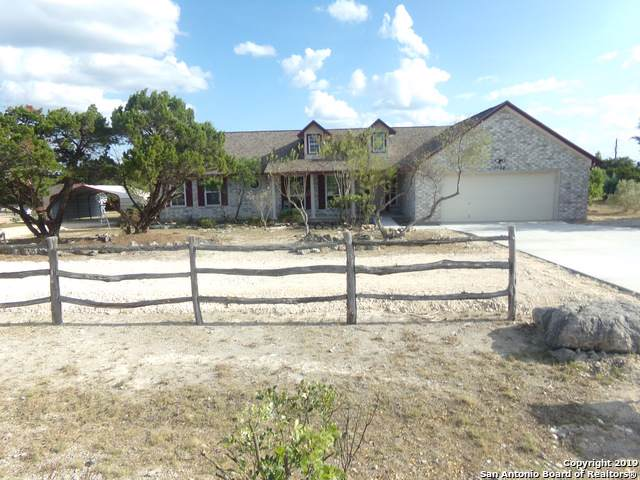 1034 Cash Ln, Canyon Lake, TX 78133 (MLS #1415873) :: Neal & Neal Team