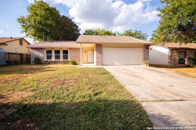 941 Hayloft Ln, San Antonio, TX 78245 (MLS #1416134) :: Berkshire Hathaway HomeServices Don Johnson, REALTORS®
