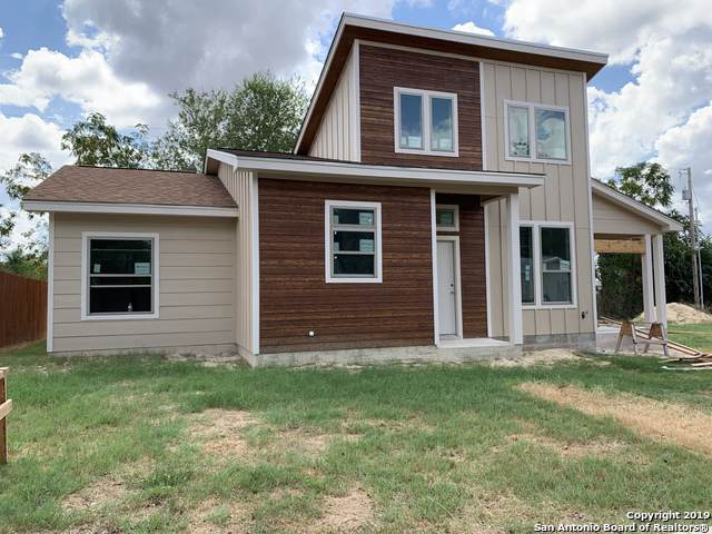 522 Dallas St, Pleasanton, TX 78064 (MLS #1416143) :: BHGRE HomeCity