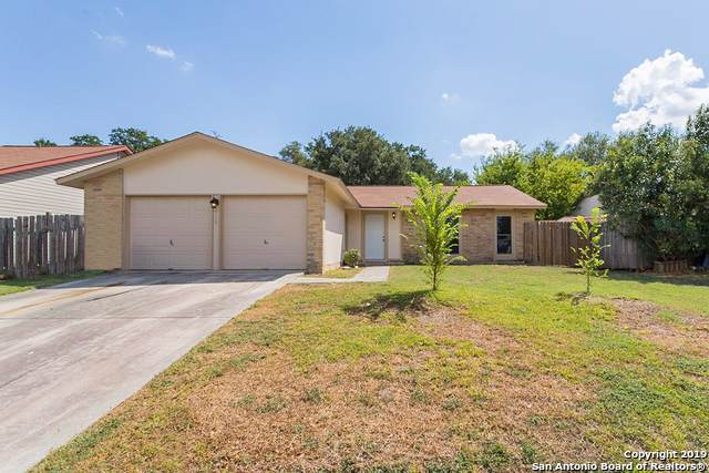 5906 Kissing Oak St, San Antonio, TX 78247 (MLS #1416228) :: BHGRE HomeCity