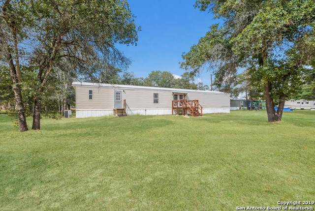 213 Hickory Dr, Seguin, TX 78155 (MLS #1416429) :: Niemeyer & Associates, REALTORS®