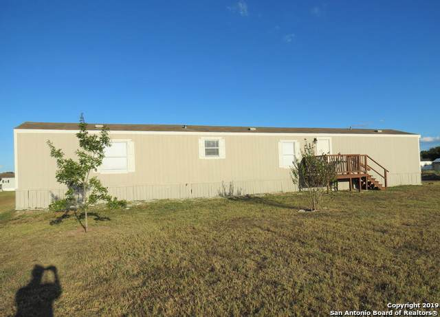 119 Kickapoo Trail, Seguin, TX 78155 (MLS #1416448) :: Carolina Garcia Real Estate Group