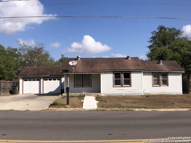 306 W South Line St, Karnes City, TX 78118 (MLS #1416726) :: BHGRE HomeCity