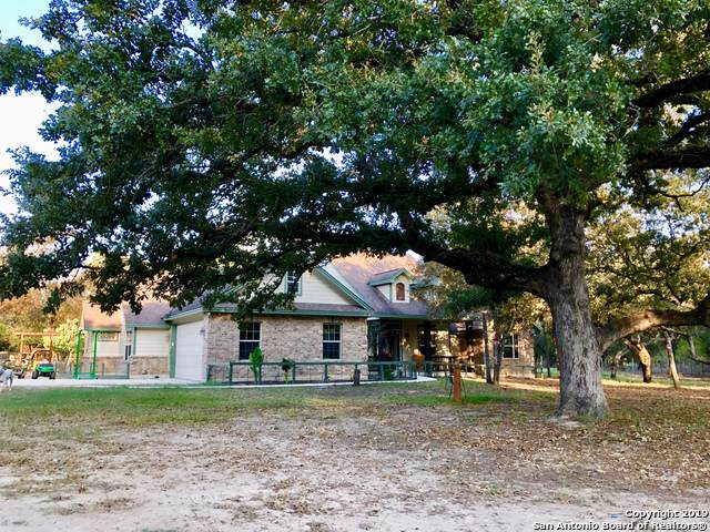 223 Encino Dr, Floresville, TX 78114 (MLS #1416813) :: The Castillo Group