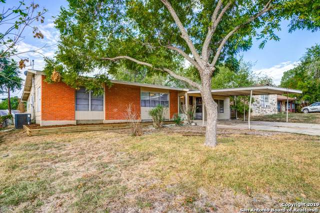 3318 Pollydale Ave, San Antonio, TX 78223 (#1416854) :: The Perry Henderson Group at Berkshire Hathaway Texas Realty