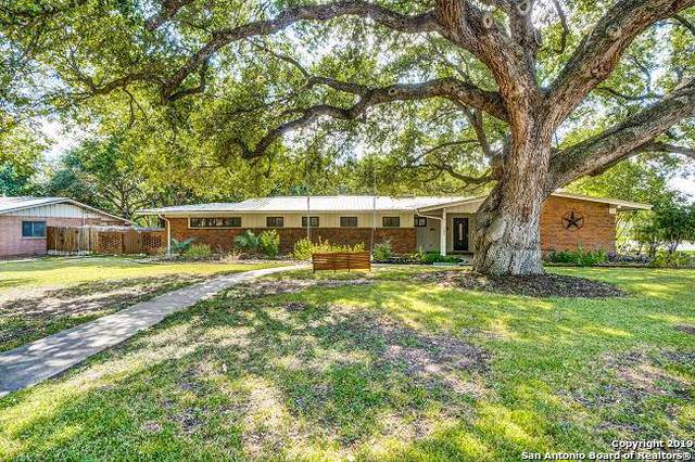 100 Carolwood Dr, Castle Hills, TX 78213 (MLS #1417108) :: Reyes Signature Properties
