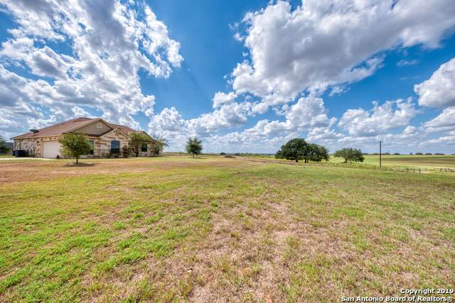 3270 County Road 405, Floresville, TX 78114 (MLS #1417122) :: Exquisite Properties, LLC