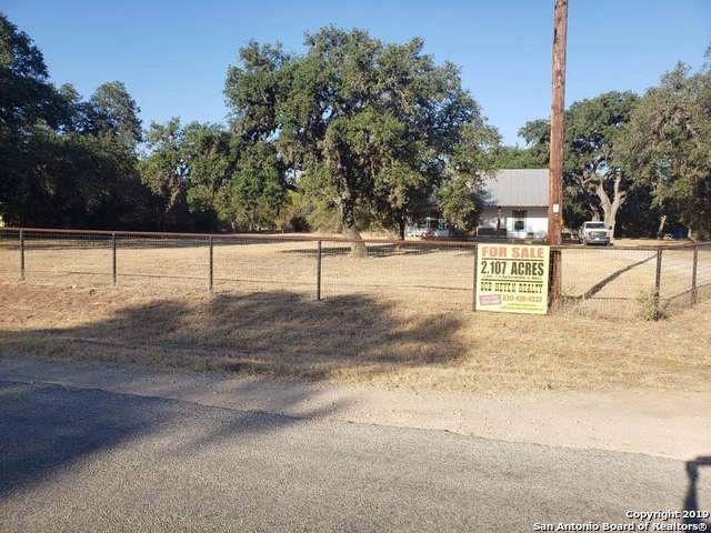 2151 County Road 251, Hondo, TX 78861 (MLS #1417137) :: The Castillo Group