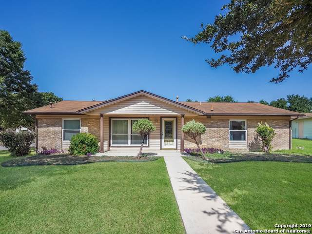 211 Cherrywood Ln, Live Oak, TX 78233 (MLS #1417173) :: The Gradiz Group