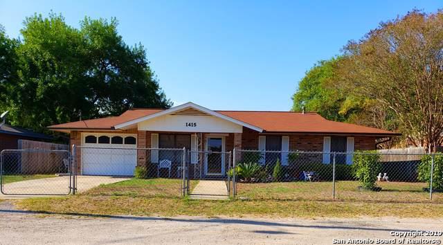 1415 Longbranch Dr, Floresville, TX 78114 (MLS #1417176) :: BHGRE HomeCity