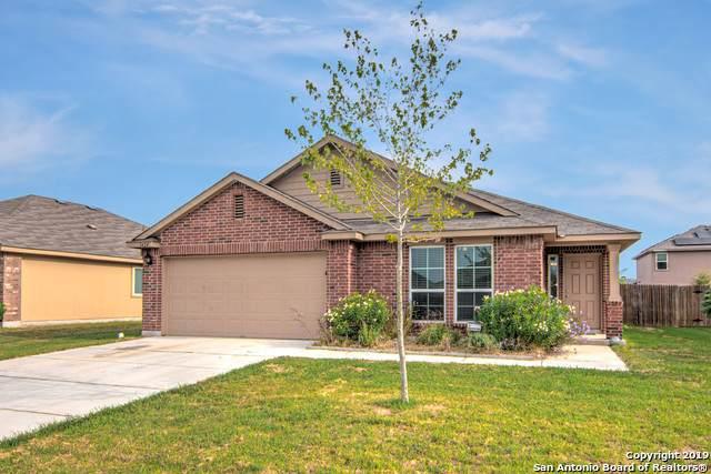 1424 Doncaster Dr, Seguin, TX 78155 (MLS #1417433) :: The Castillo Group