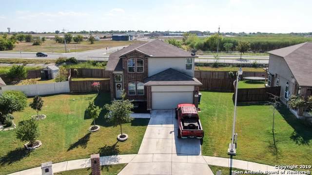 1001 Lauren St, New Braunfels, TX 78130 (#1417529) :: The Perry Henderson Group at Berkshire Hathaway Texas Realty