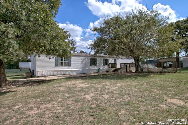 2647 Mcknight Rd, Seguin, TX 78155 (MLS #1417565) :: Alexis Weigand Real Estate Group