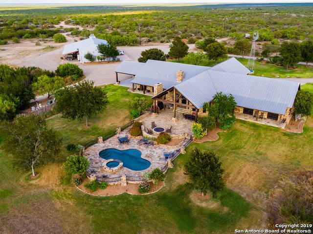 18145 Highway 57, Eagle Pass, TX 78852 (MLS #1417641) :: The Gradiz Group