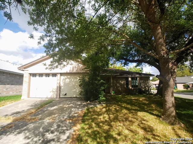 8131 Forest Dawn, Live Oak, TX 78233 (MLS #1417642) :: ForSaleSanAntonioHomes.com