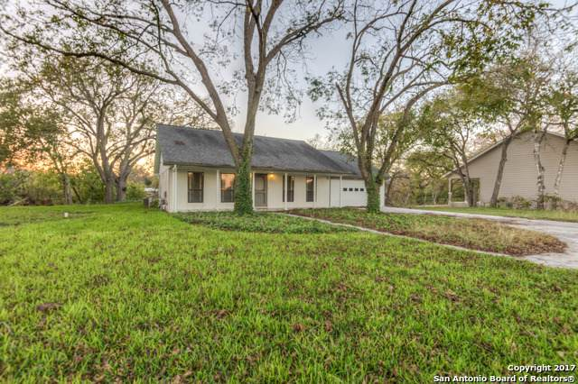 1000 Boenig St, Seguin, TX 78155 (MLS #1417690) :: Alexis Weigand Real Estate Group