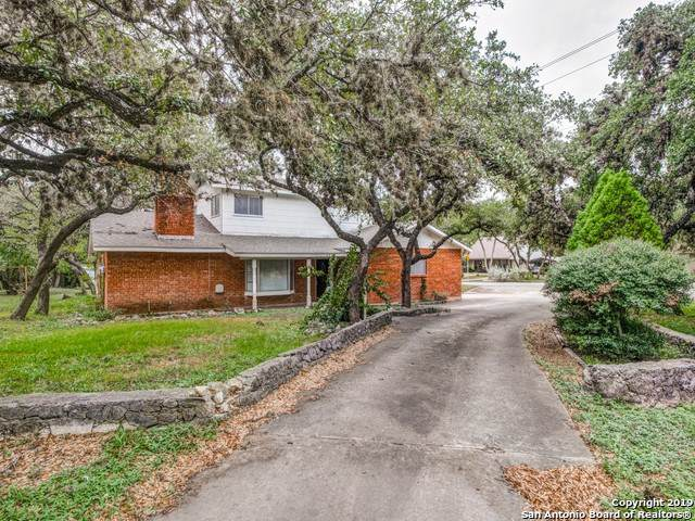 7922 Shady Hollow Ln, San Antonio, TX 78255 (MLS #1417802) :: Carolina Garcia Real Estate Group