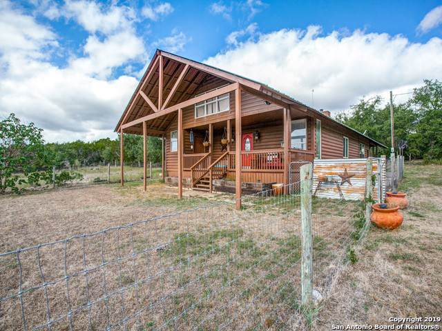 6369 County Road 251, Hondo, TX 78661 (MLS #1417895) :: The Castillo Group