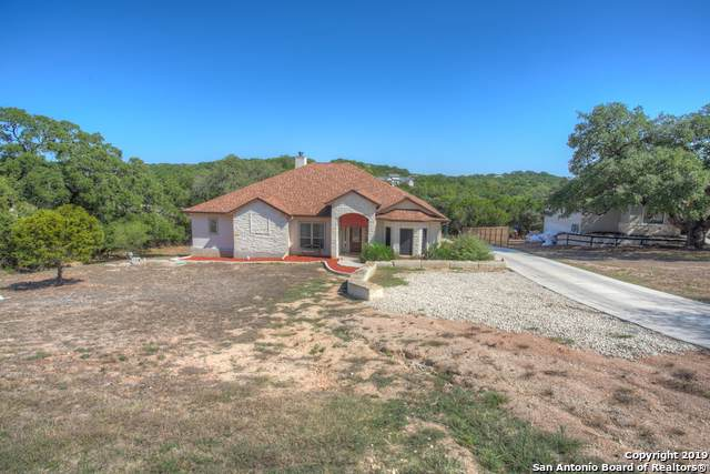 172 Falling Hills, New Braunfels, TX 78132 (MLS #1417923) :: The Gradiz Group