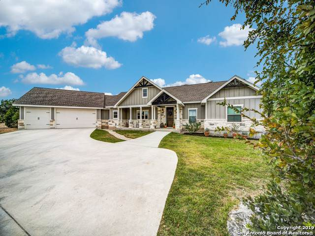 518 Red Oak Dr, Boerne, TX 78006 (MLS #1417958) :: The Castillo Group
