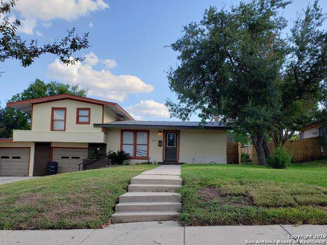 322 Sharon Dr, San Antonio, TX 78216 (MLS #1417980) :: Reyes Signature Properties