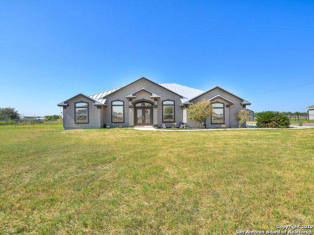 257 Shamrock Dr, Floresville, TX 78114 (#1418060) :: The Perry Henderson Group at Berkshire Hathaway Texas Realty