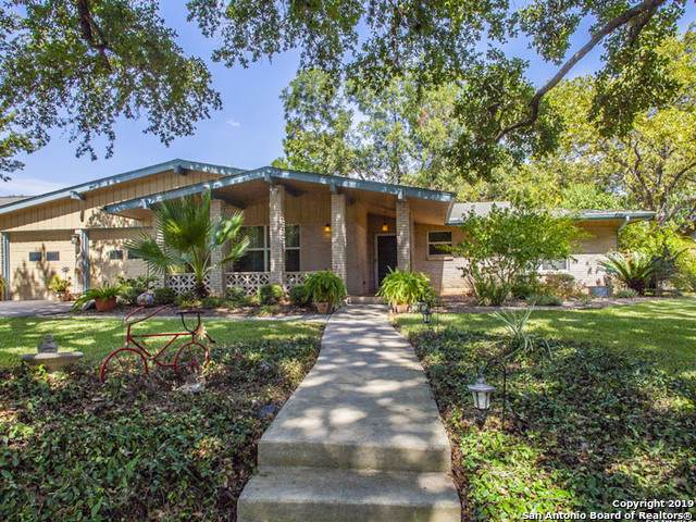 324 Towne Vue Dr, Castle Hills, TX 78213 (MLS #1418061) :: The Gradiz Group