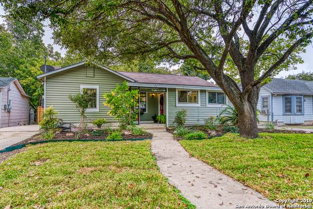 422 Halliday Ave, San Antonio, TX 78210 (MLS #1418087) :: Reyes Signature Properties