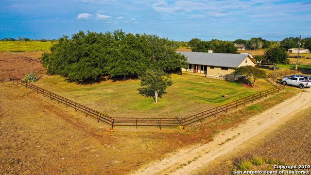 540 County Road 448, Stockdale, TX 78160 (MLS #1418136) :: The Mullen Group | RE/MAX Access
