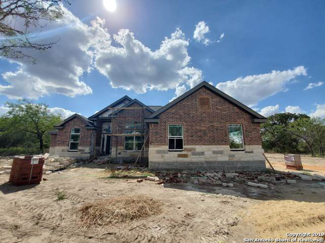 5896 Fm. 3175, Lytle, TX 78052 (MLS #1418153) :: BHGRE HomeCity