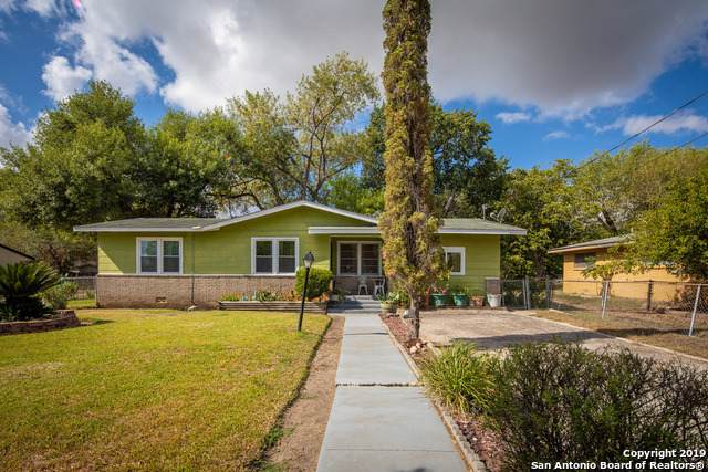 1296 S Mesquite Ave, New Braunfels, TX 78130 (MLS #1418157) :: The Mullen Group | RE/MAX Access