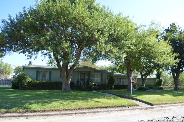 203 Cardinal Drive, Devine, TX 78016 (MLS #1418195) :: Alexis Weigand Real Estate Group