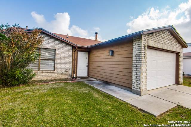 9931 Echo Plain, San Antonio, TX 78245 (MLS #1418215) :: The Gradiz Group