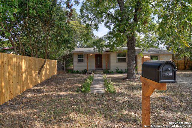 709 Center St, Kerrville, TX 78028 (MLS #1418295) :: BHGRE HomeCity