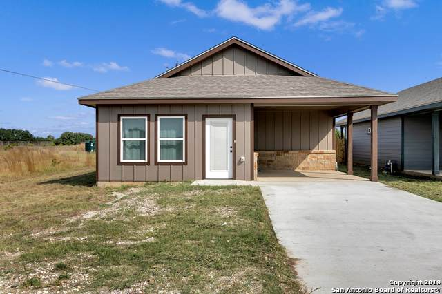 128 Wedge Dr., Bandera, TX 78003 (#1418914) :: The Perry Henderson Group at Berkshire Hathaway Texas Realty